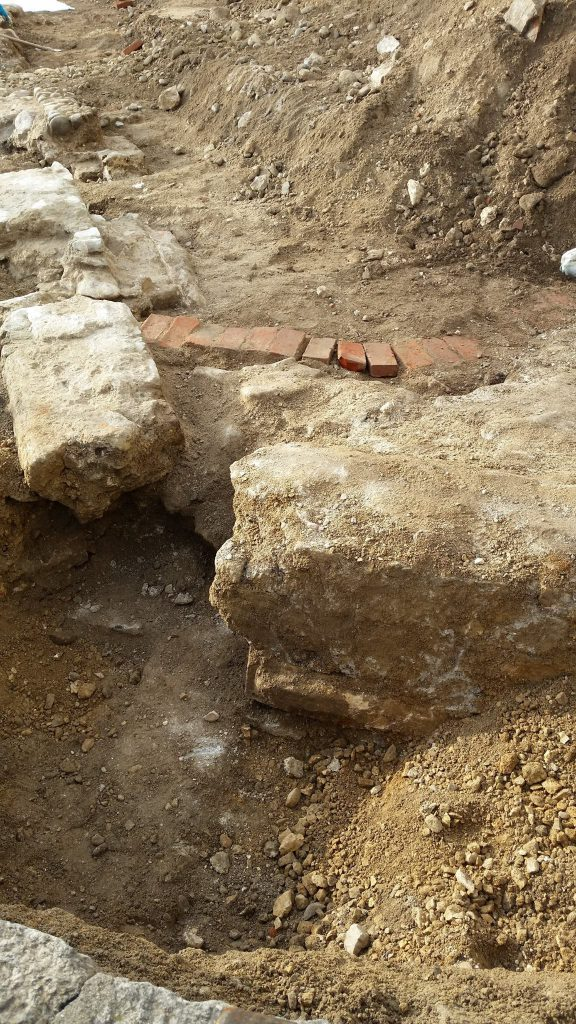 Arona Antiche mura