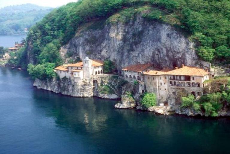 crociera-santa-caterina-lago-maggiore-barca