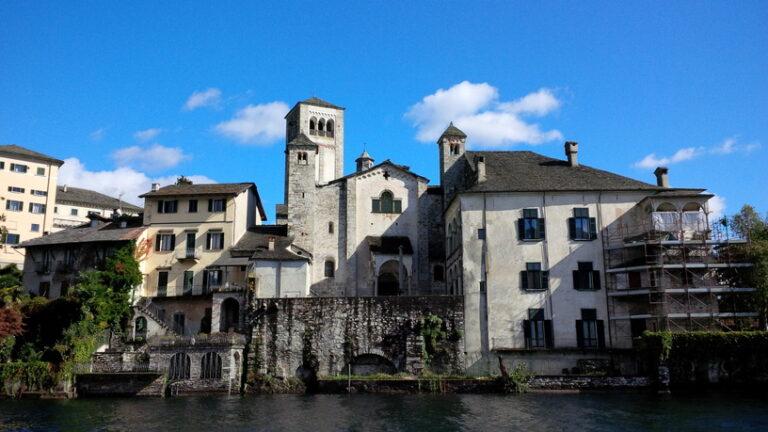 Orta San Giulio, il borgo e l'Isola
